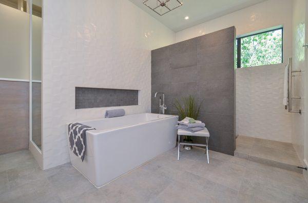 English Modern Master Bath