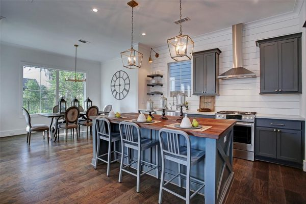 Farmhouse Modern Kitchen and Dining Room