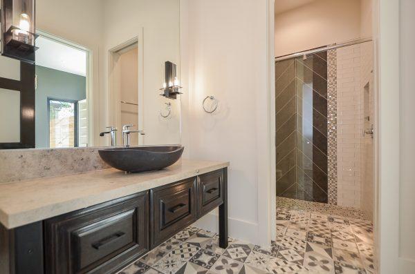 Scandinavian Inspired Bath